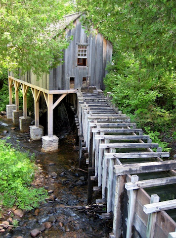 The original sawmill was built here in 1780. This is a recreation of it, built as authentically as possible according to all the historical information available and artifacts from the site, as well as the teeth marks on timbers from buildings of the time.